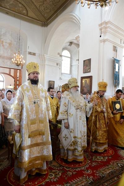 Митрополит Филарет поздравил всех с 400-летием Петро-Павловского собора