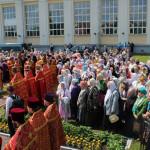 Клир и прихожане собора приняли участие в крестном ходе
