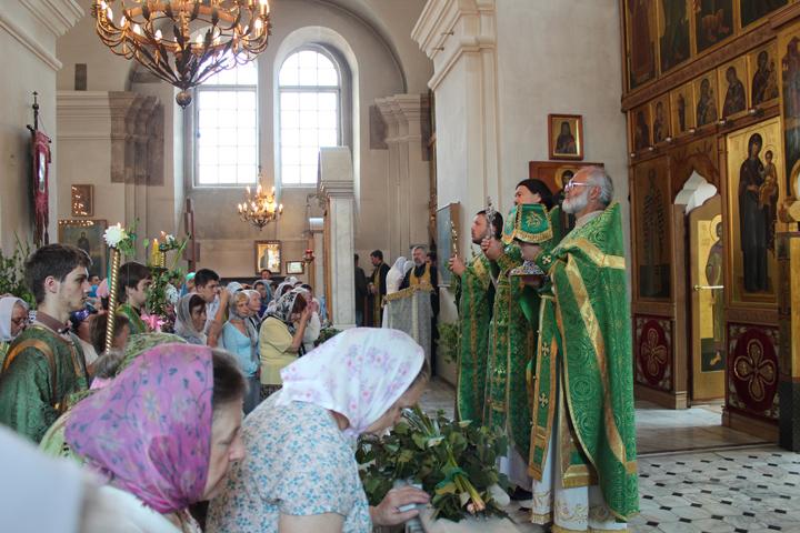 С праздником Святой Троицы, Пятидесятницей!