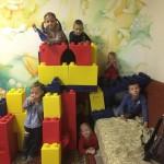 дети и башня